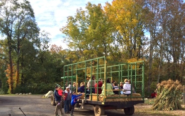 Columbus Day hayride 2015 cropped
