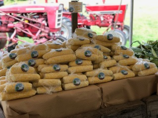 lwf organic corn at farmstand
